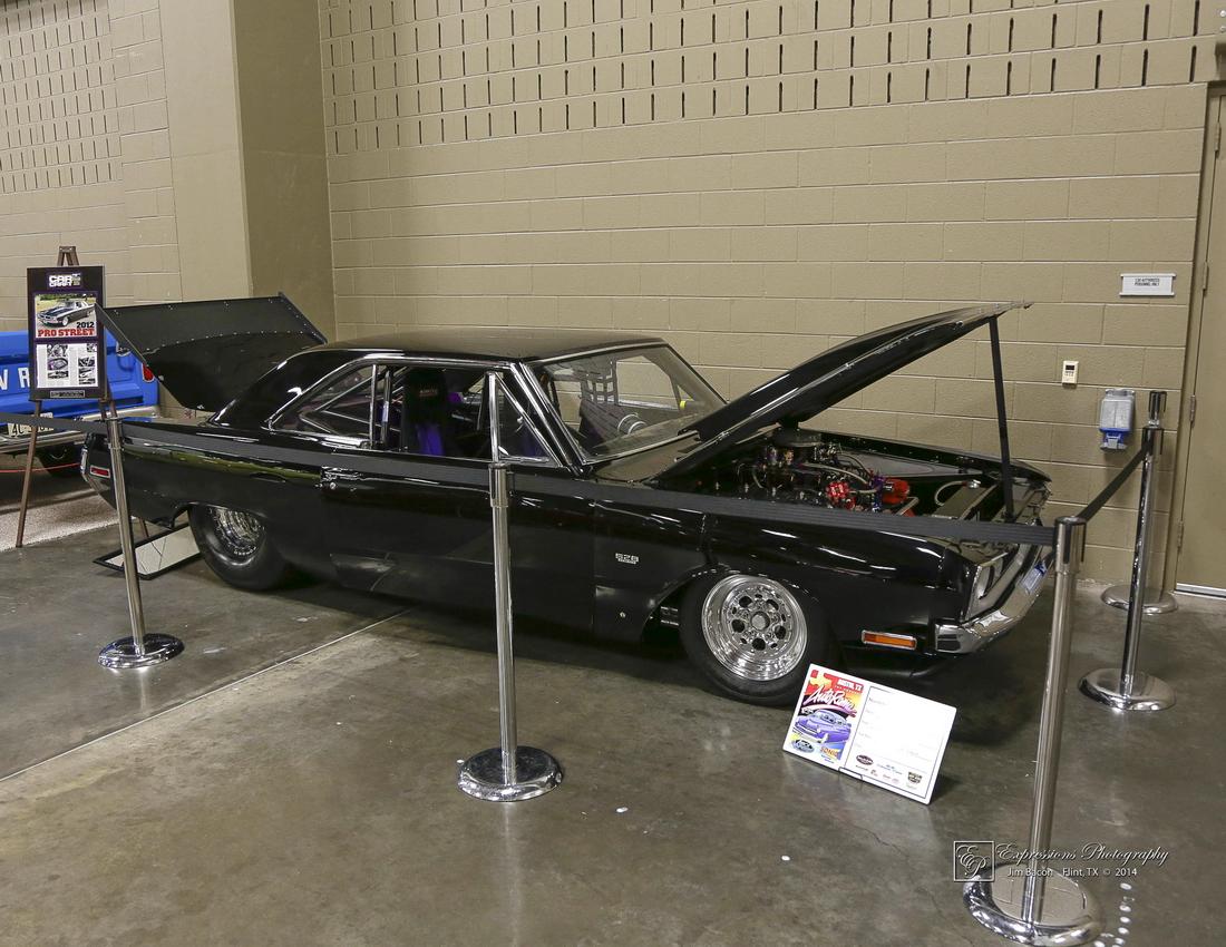 Lisa & Scot Doyal - Austin, TX - 1971 Dodge Dart